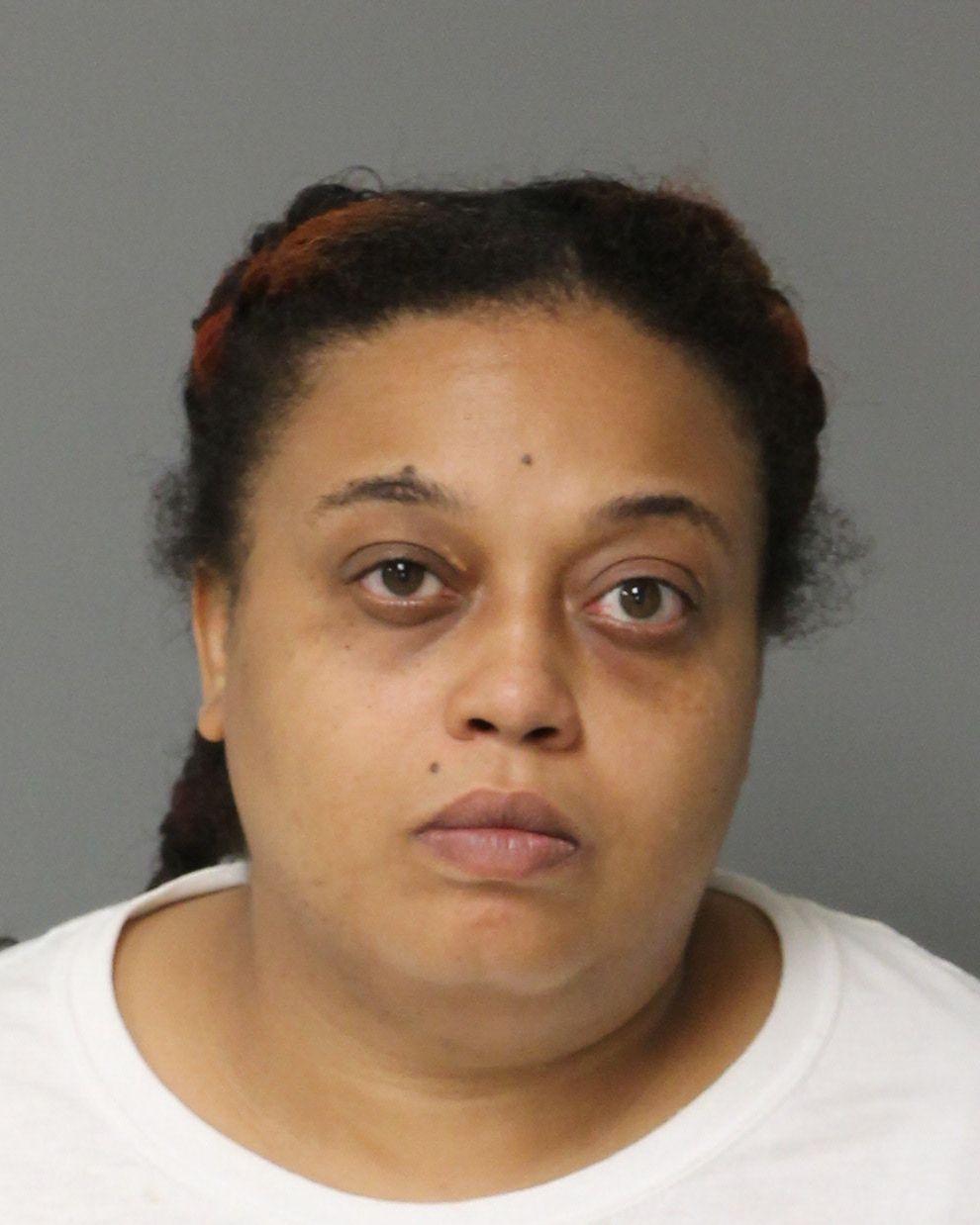 ROBERTA RONTEA RICHARDSON Mugshot / County Arrests / Wake County Arrests